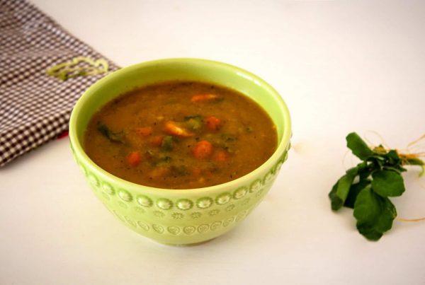 Sopa de agrião e feijão