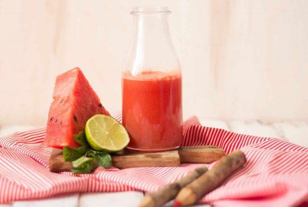Sumo de melancia e hortelã