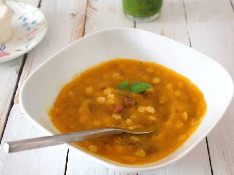 Sopa de legumes com feijão vermelho