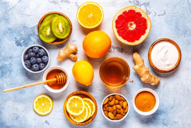 Há algum alimento ou suplemento alimentar que previne ou ajude no tratamento da COVID-19?